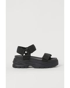 Sandalen mit grober Sohle Schwarz
