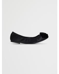 Viola Bow Ballet Flat Black