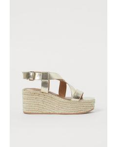 Sandaletter Med Kilklack Guld