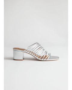 Gina sandaler med kantig tå silver