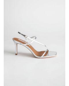 Svea sandal med klack silver