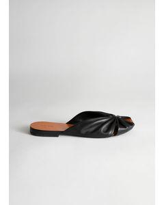 Gothe Sandal med kantig tå svart
