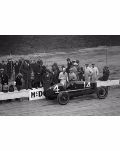 Bob Mcdonogh, Winner Of 250 Mile Auto Race, [10/26/25]