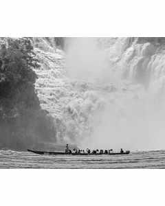 Kanot Vid Stort Vattenfall