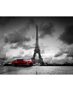 Paris. Svatrvitt Eiffeltorn Med Röd Bil