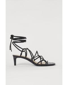 Sandaletten mit Schnürung Schwarz