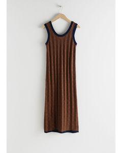Milan geometrisk stickad klänning brun