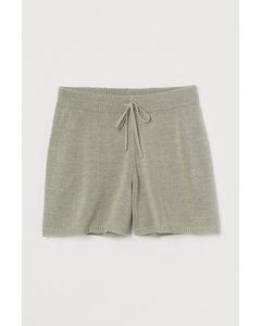 Shorts in Feinstrick Hellgrün