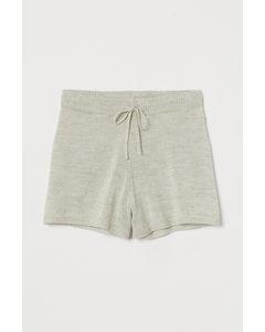 Shorts in Feinstrick Hellbeige