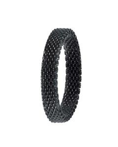 Ring aus schwarz beschichtetem Mesh
