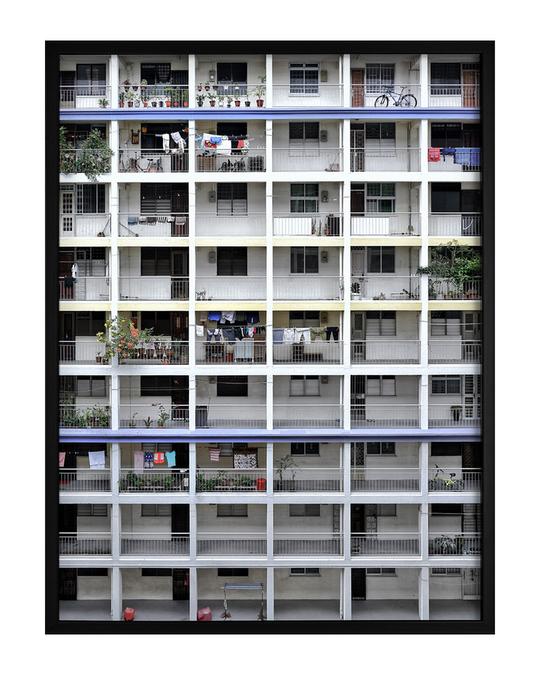 Democratic Gallery Poster Weiße Architektur
