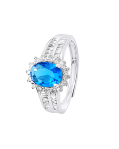 Oval Ring In Turquoise Blue Crystal