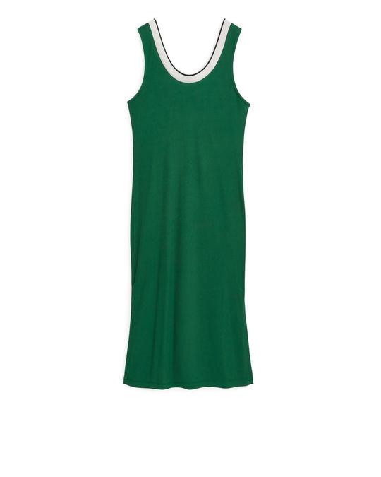Arket Ärmelloses Kleid aus Viskose und Jersey Grün