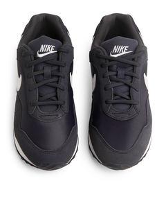 Nike Ouburst    Black