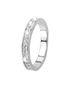 Weißgoldener Ring mit Kristallen