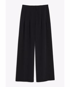 Wide-legged Trousers Black Magic
