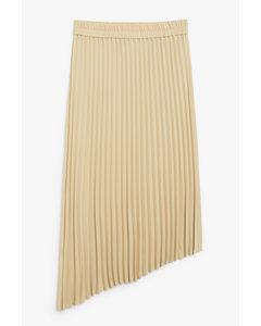 A-symmetric Pleated Skirt Khaki
