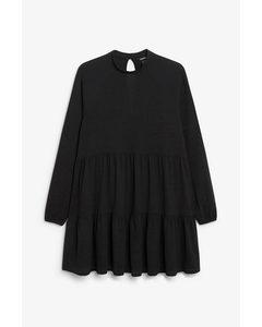Langärmeliges Kleid mit Rüschen Black