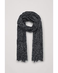 Knitted Blanket Scarf Black / White