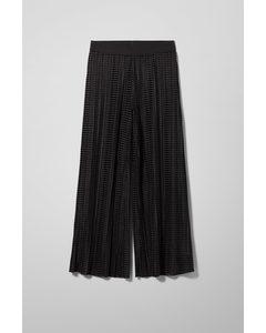 Wassily Pleated Velvet Trousers Black