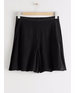 High Waisted Relaxed Crepe Shorts Black