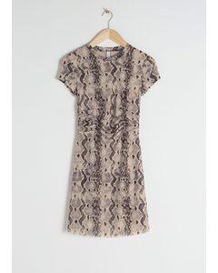 Gerafftes T-Shirt-Kleid mit Schlangenprint Schlangenprint