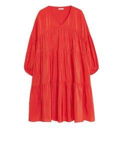 Kurzes Kleid mit Krausen Rot