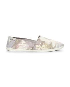 Linear Textile Shoe