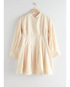 Voluminöses Minikleid aus Seide Weiß