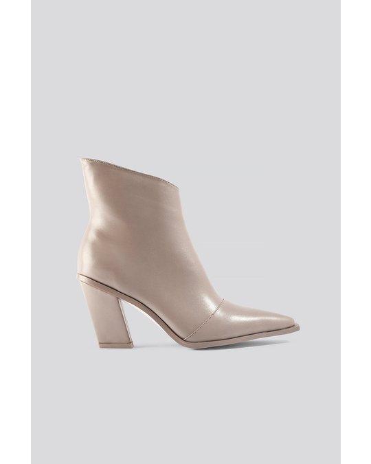 NA-KD Slanted Heel Toe Detail Boots Taupe