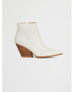 Western Heel Pointy Boots Offwhite