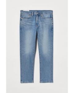 Slim Straight Cropped Jeans Hellblau