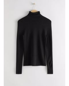 Turtle Neck Sweater Black
