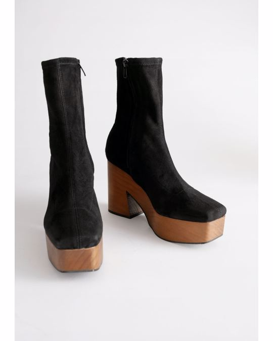 & Other Stories Boots Black
