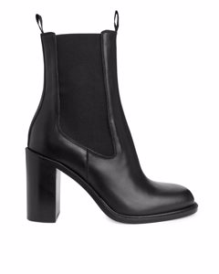 High-heel Chelsea Boots Black