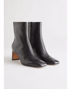 Slim Block Heel Leather Boots Black
