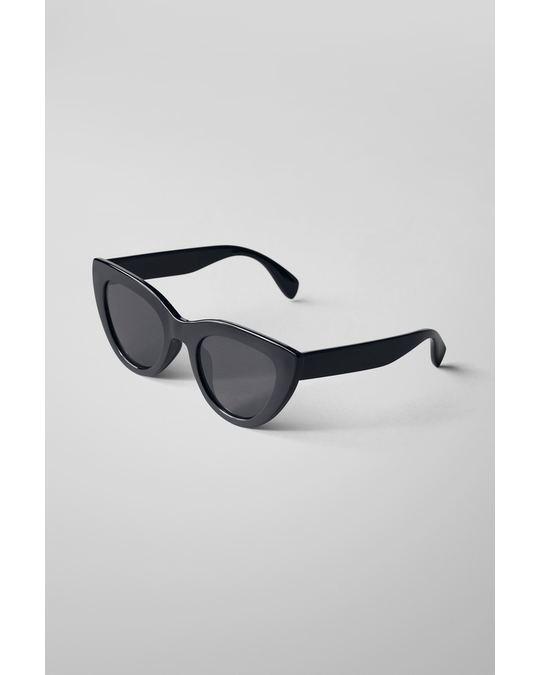 Weekday Wander Cat Eye Sunglasses Black