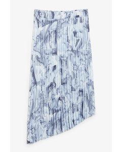 A-symmetric Pleated Skirt Blue Statues