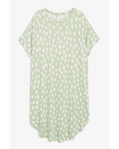 T-Shirt-Kleid in Oversize Grün mit weißem Punktemuster