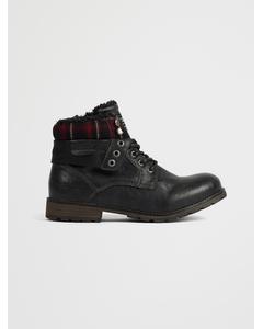 Boots A Black