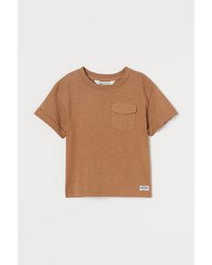 T-Shirt mit Tasche Dunkelbeige