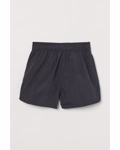 Sportive Shorts Schwarz