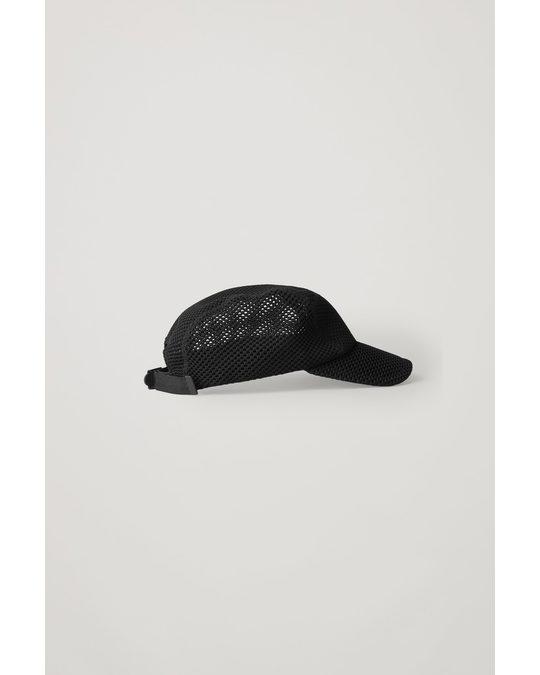 COS CAP MIT MESH-DETAIL Schwarz