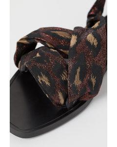 Sandalen mit Bindebändern Schwarz