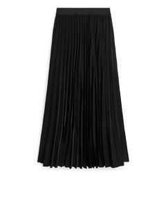 Long Pleated Satin Skirt Black