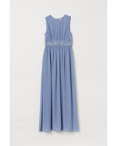 Kleid mit Perlenstickerei Mattblau