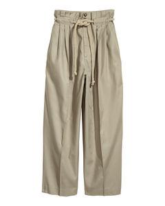 Hose mit einem Krawattengürtel grün