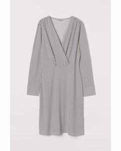 Kleid mit V-Ausschnitt Cremefarben/Gemustert
