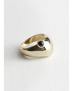 Breiter Ring mit Zierstein Dunkelblau