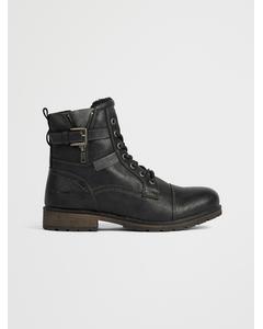 Boots B Black